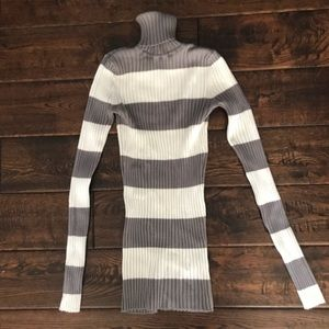 Sweaters - Turtle neck sweater, gray and white stripes